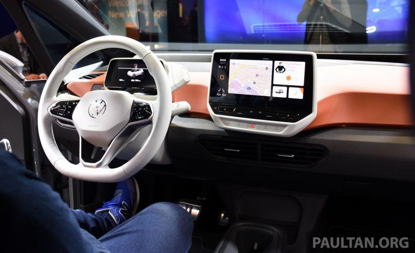 Volkswagen ID.3 – EV pacuan roda belakang, jarak gerak hingga 550 km, harga dari RM138k di Jerman Image #1012222