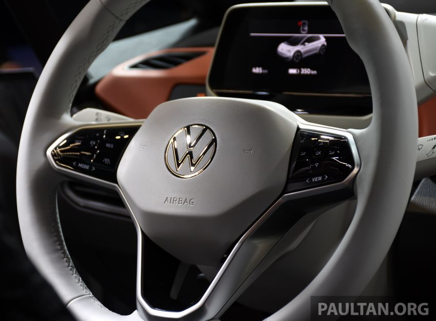 Volkswagen ID.3 pure electric car debuts – rear-wheel drive, up to 550 km range; from RM138k in Germany Image #1011693