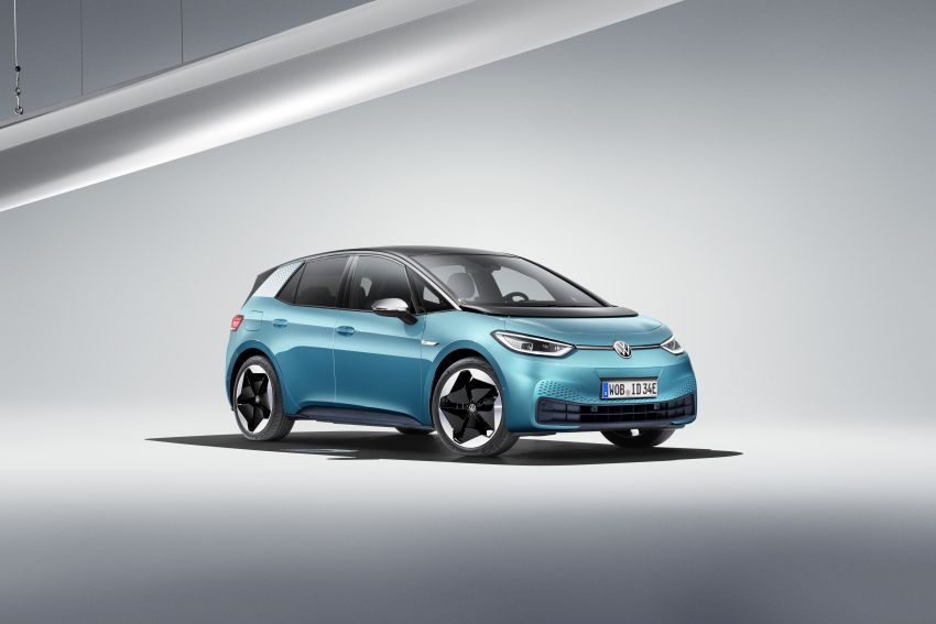Volkswagen ID.3 pure electric car debuts – rear-wheel drive, up to 550 km range; from RM138k in Germany Image #1012231