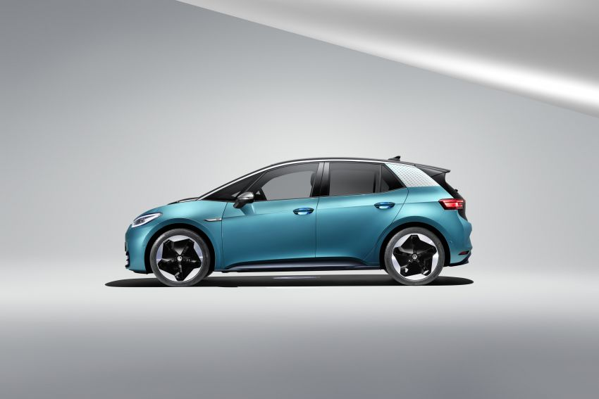 Volkswagen ID.3 pure electric car debuts – rear-wheel drive, up to 550 km range; from RM138k in Germany Image #1012234