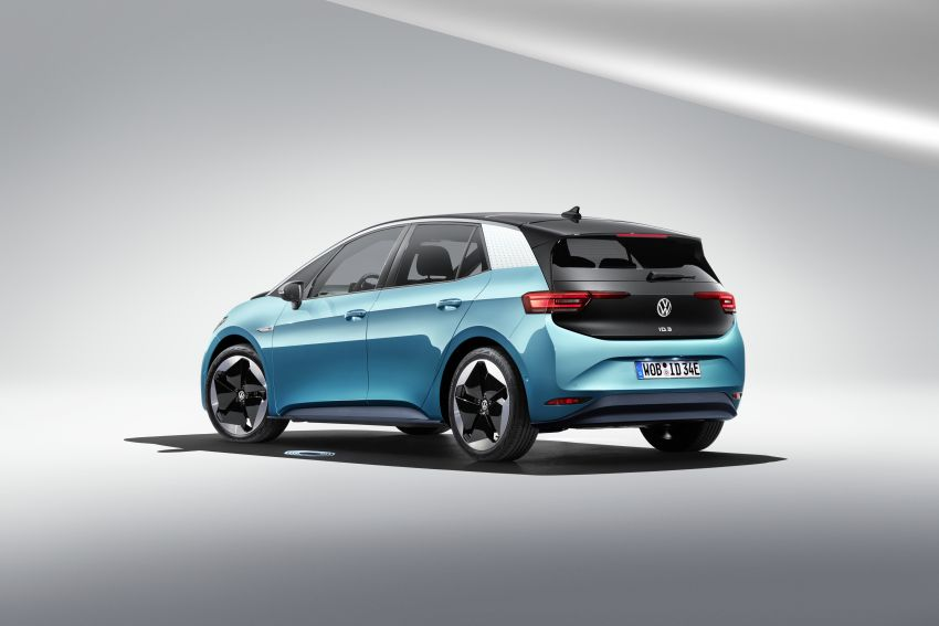 Volkswagen ID.3 pure electric car debuts – rear-wheel drive, up to 550 km range; from RM138k in Germany Image #1012235