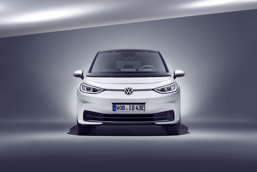 Volkswagen ID.3 pure electric car debuts – rear-wheel drive, up to 550 km range; from RM138k in Germany Image #1012237