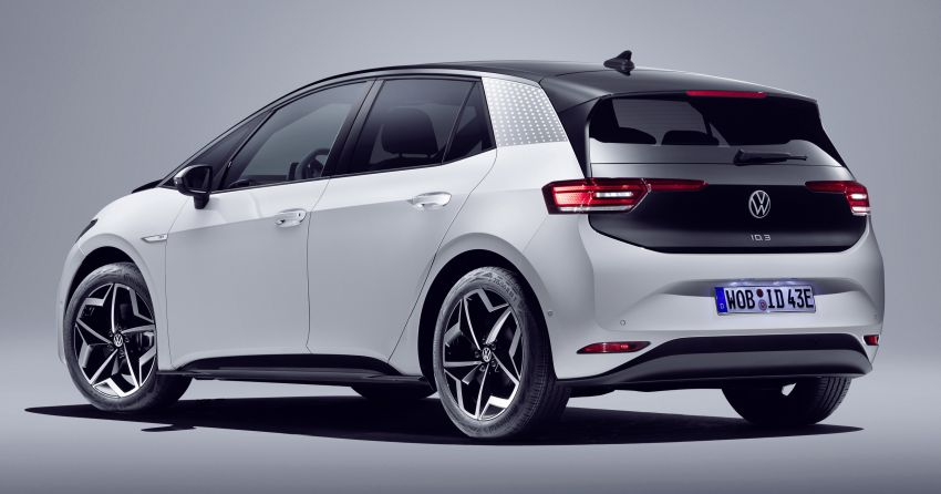 Volkswagen ID.3 pure electric car debuts – rear-wheel drive, up to 550 km range; from RM138k in Germany Image #1012241