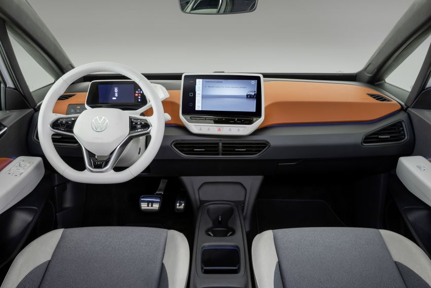Volkswagen ID.3 pure electric car debuts – rear-wheel drive, up to 550 km range; from RM138k in Germany Image #1012243