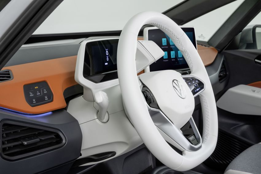 Volkswagen ID.3 pure electric car debuts – rear-wheel drive, up to 550 km range; from RM138k in Germany Image #1012245