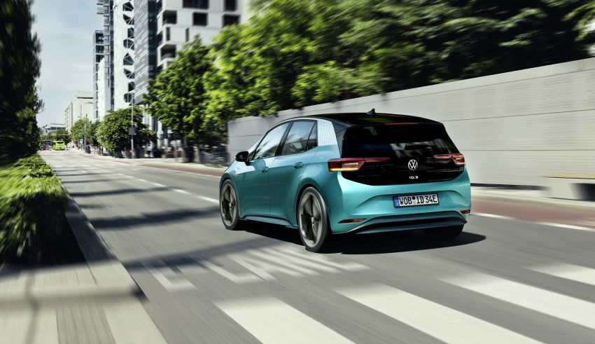 Volkswagen ID.3 pure electric car debuts – rear-wheel drive, up to 550 km range; from RM138k in Germany Image #1012249