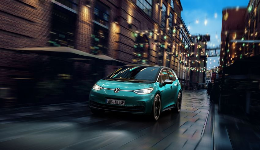 Volkswagen ID.3 pure electric car debuts – rear-wheel drive, up to 550 km range; from RM138k in Germany Image #1012253