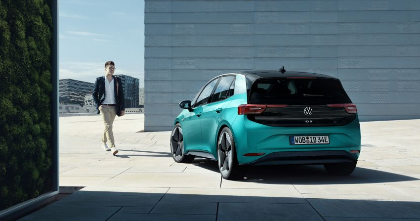 Volkswagen ID.3 pure electric car debuts – rear-wheel drive, up to 550 km range; from RM138k in Germany Image #1012257