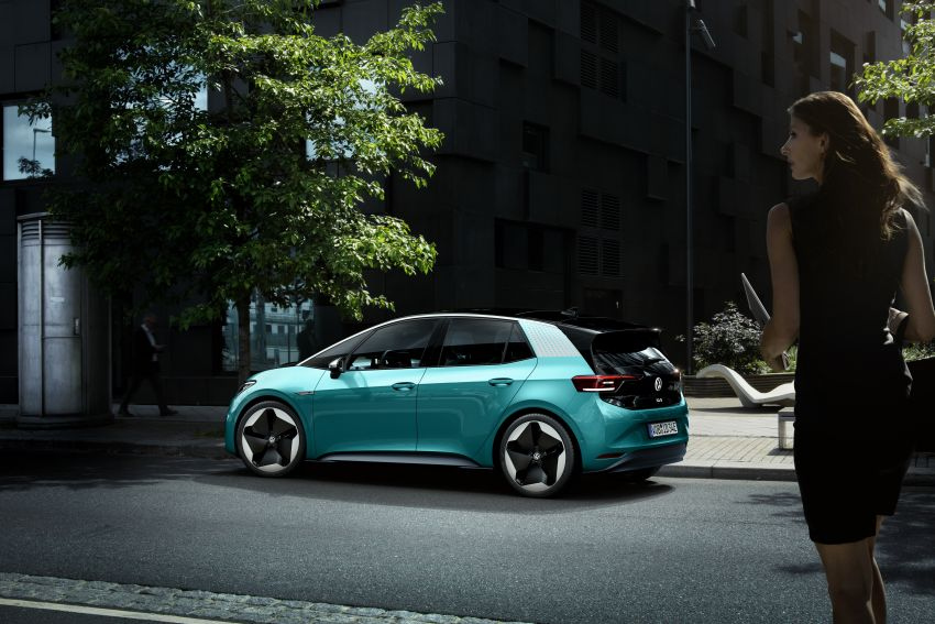 Volkswagen ID.3 pure electric car debuts – rear-wheel drive, up to 550 km range; from RM138k in Germany Image #1012265