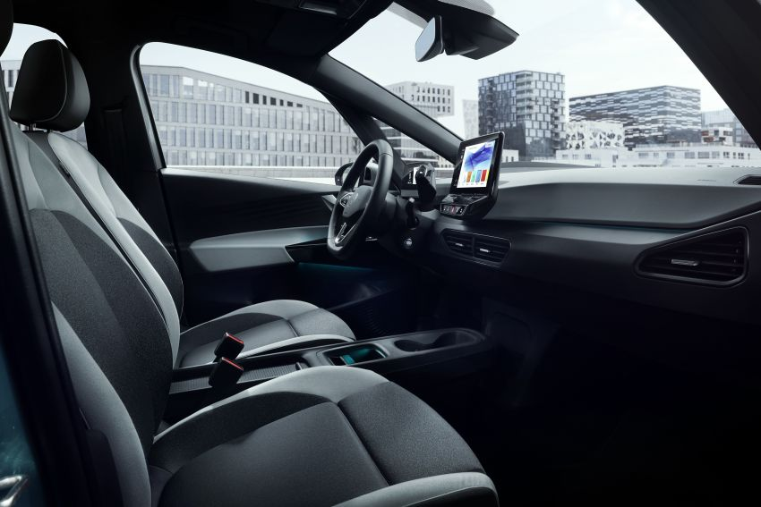 Volkswagen ID.3 pure electric car debuts – rear-wheel drive, up to 550 km range; from RM138k in Germany Image #1012281
