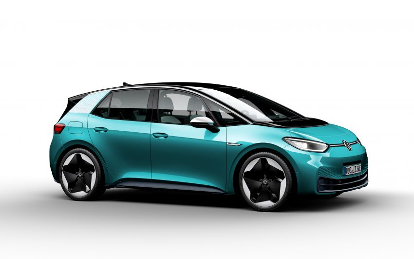 Volkswagen ID.3 pure electric car debuts – rear-wheel drive, up to 550 km range; from RM138k in Germany Image #1012288