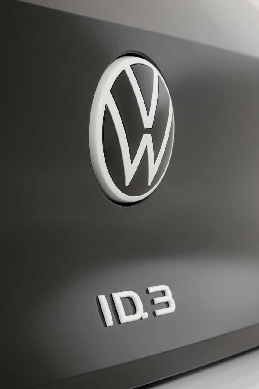 Volkswagen ID.3 pure electric car debuts – rear-wheel drive, up to 550 km range; from RM138k in Germany Image #1012290