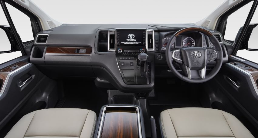 Toyota GranAce – eight-seat MPV set to debut in Tokyo Image #1027276