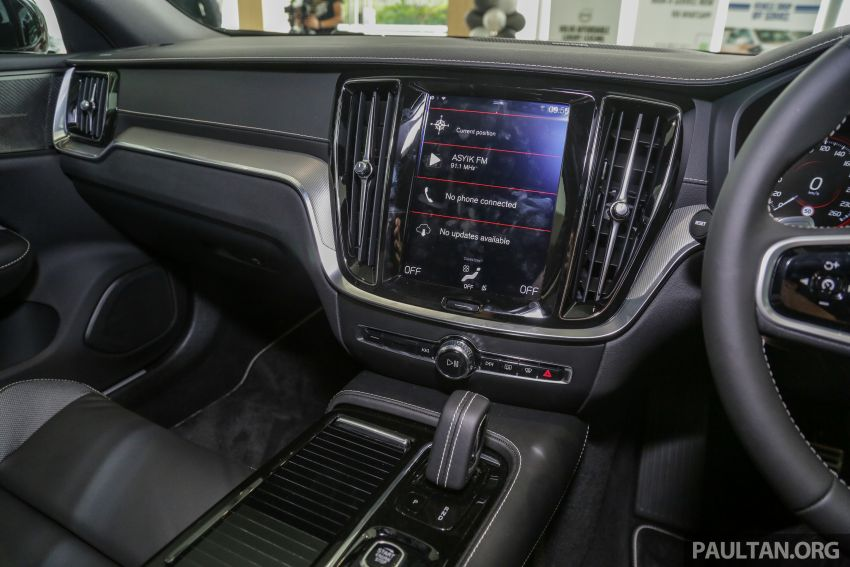 2019 Volvo S60 T8 R-Design launched in Malaysia – 2.0L PHEV, 407 hp, 640 Nm, 0-100 km/h in 4.4s, RM296k Image #1035682