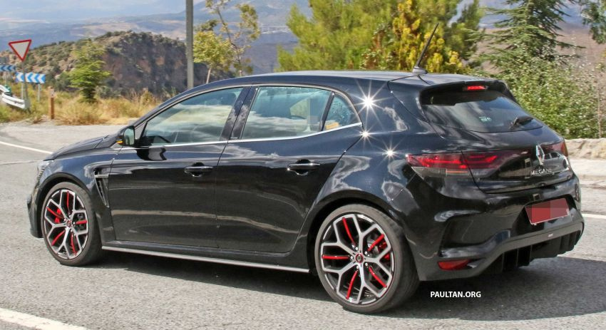 SPYSHOTS: Renault Megane RS Trophy facelift seen? Image #1027294