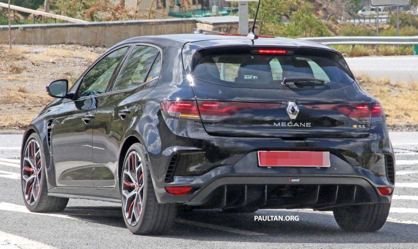 SPYSHOTS: Renault Megane RS Trophy facelift seen? Image #1027295