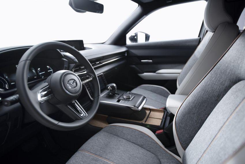 Tokyo 2019: Mazda MX-30 – brand's first EV debuts with 141 hp, 264 Nm, 209 km EV range, suicide doors! Image #1033828