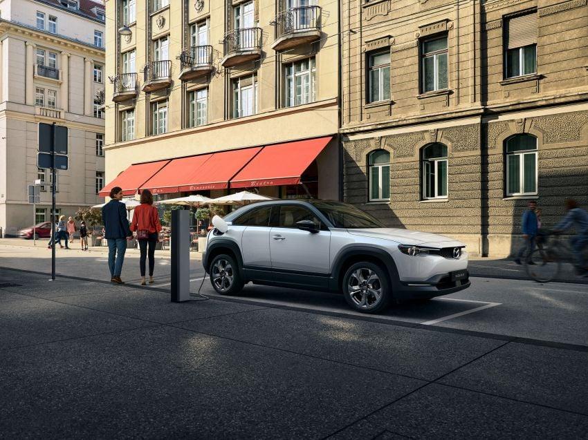 Tokyo 2019: Mazda MX-30 – brand's first EV debuts with 141 hp, 264 Nm, 209 km EV range, suicide doors! Image #1033834