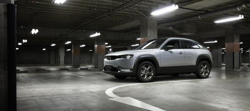 Tokyo 2019: Mazda MX-30 – brand's first EV debuts with 141 hp, 264 Nm, 209 km EV range, suicide doors! Image #1033840