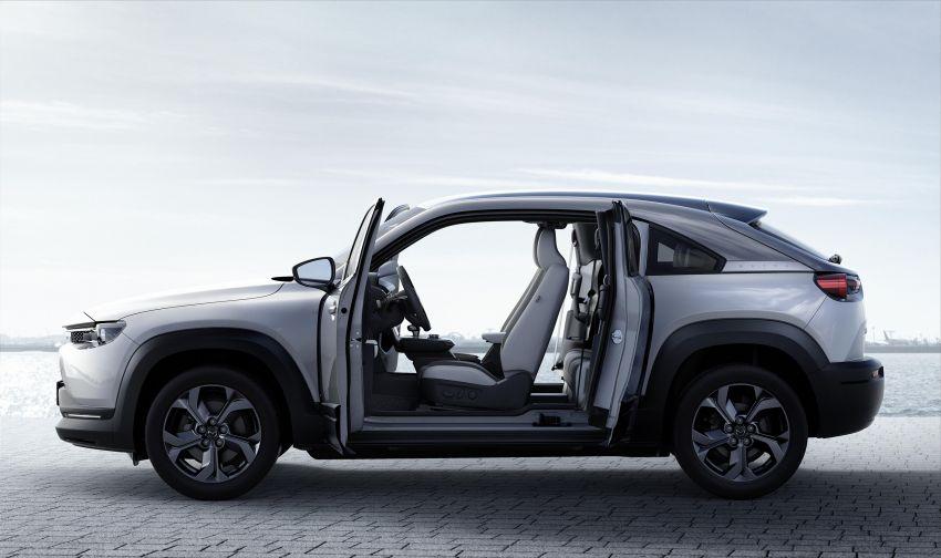 Tokyo 2019: Mazda MX-30 – brand's first EV debuts with 141 hp, 264 Nm, 209 km EV range, suicide doors! Image #1033842
