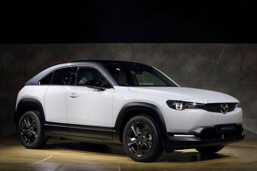Tokyo 2019: Mazda MX-30 – brand's first EV debuts with 141 hp, 264 Nm, 209 km EV range, suicide doors! Image #1033843
