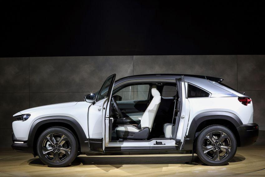Tokyo 2019: Mazda MX-30 – brand's first EV debuts with 141 hp, 264 Nm, 209 km EV range, suicide doors! Image #1033848