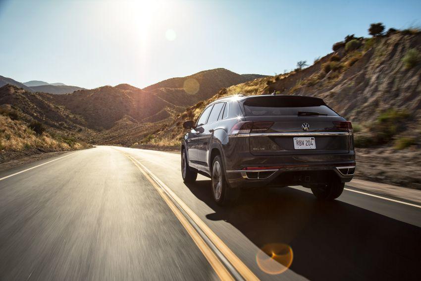 """Volkswagen Atlas Cross Sport – another SUV """"coupé"""" Image #1029887"""