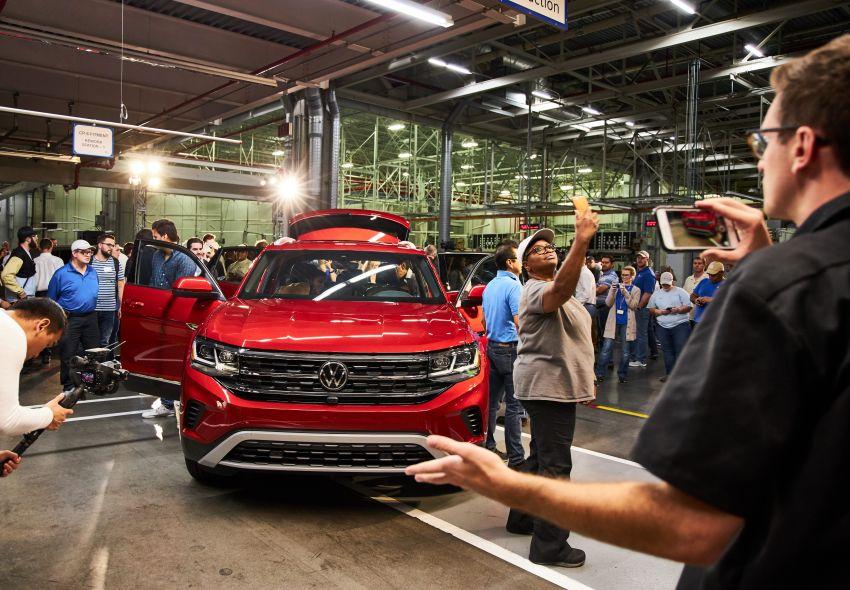 """Volkswagen Atlas Cross Sport – another SUV """"coupé"""" Image #1029913"""