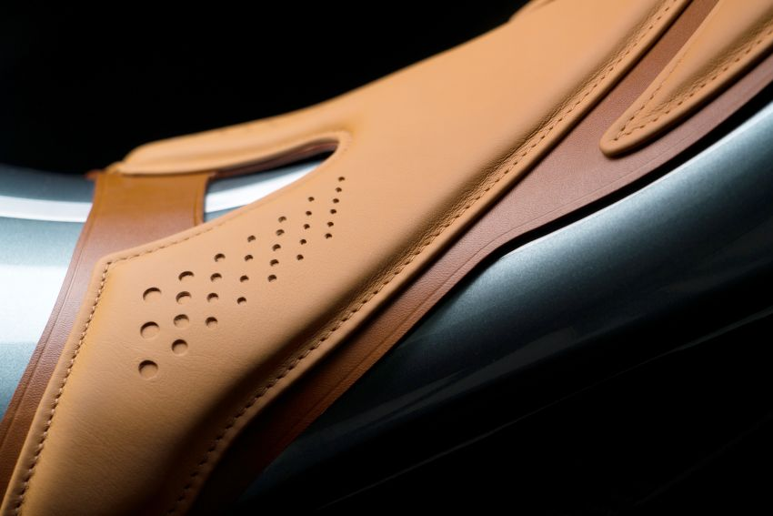 Aston Martin and Brough Superior partner on AMB 001 Image #1040986