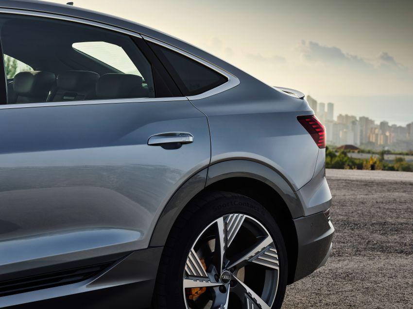 2020 Audi e-tron Sportback – sleek SUV coupe debuts with 355 hp, 561 Nm; 0-100 km/h in 6.6s, 446 km range Image #1048527