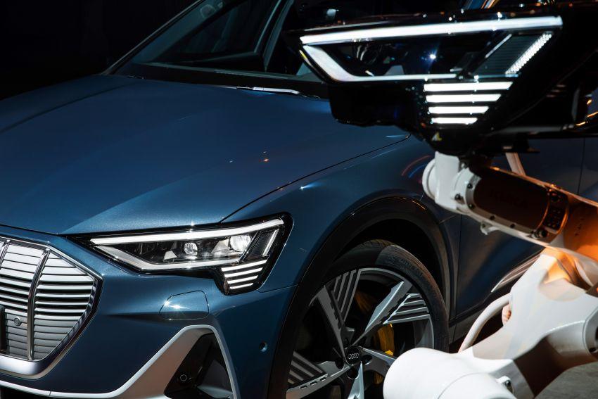 2020 Audi e-tron Sportback – sleek SUV coupe debuts with 355 hp, 561 Nm; 0-100 km/h in 6.6s, 446 km range Image #1048543