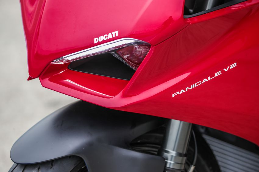 FIRST RIDE: 2020 Ducati Panigale V2 – fast and easy Image #1047483