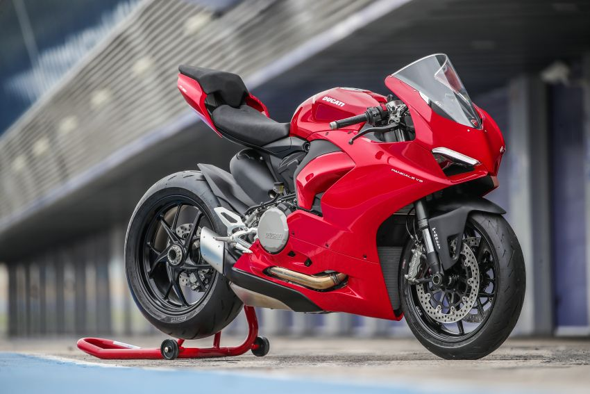 FIRST RIDE: 2020 Ducati Panigale V2 – fast and easy Image #1047474