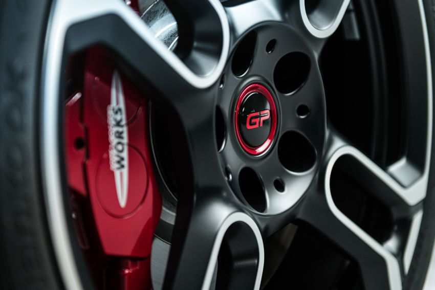 2020 MINI John Cooper Works GP: 306 hp, 450 Nm, 0-100 km/h in 5.2s, 265 km/h Vmax – 3,000 units only! Image #1047655