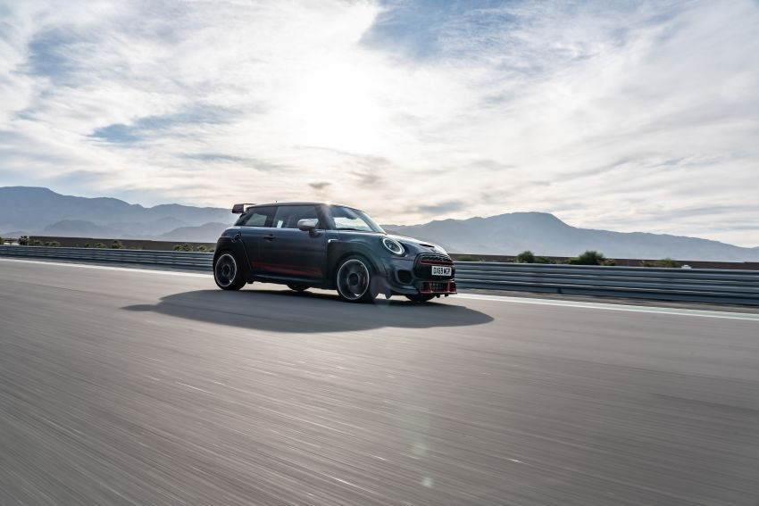 2020 MINI John Cooper Works GP: 306 hp, 450 Nm, 0-100 km/h in 5.2s, 265 km/h Vmax – 3,000 units only! Image #1047939
