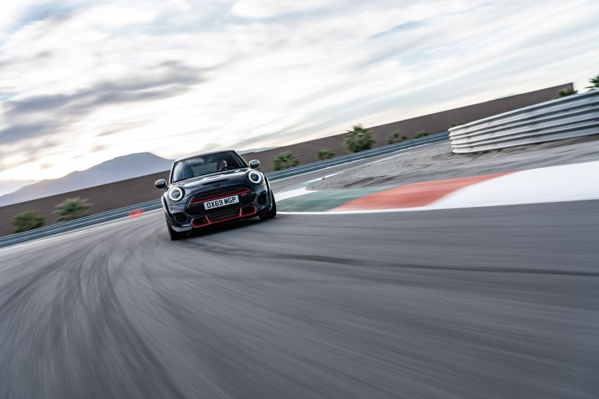 2020 MINI John Cooper Works GP: 306 hp, 450 Nm, 0-100 km/h in 5.2s, 265 km/h Vmax – 3,000 units only! Image #1047970