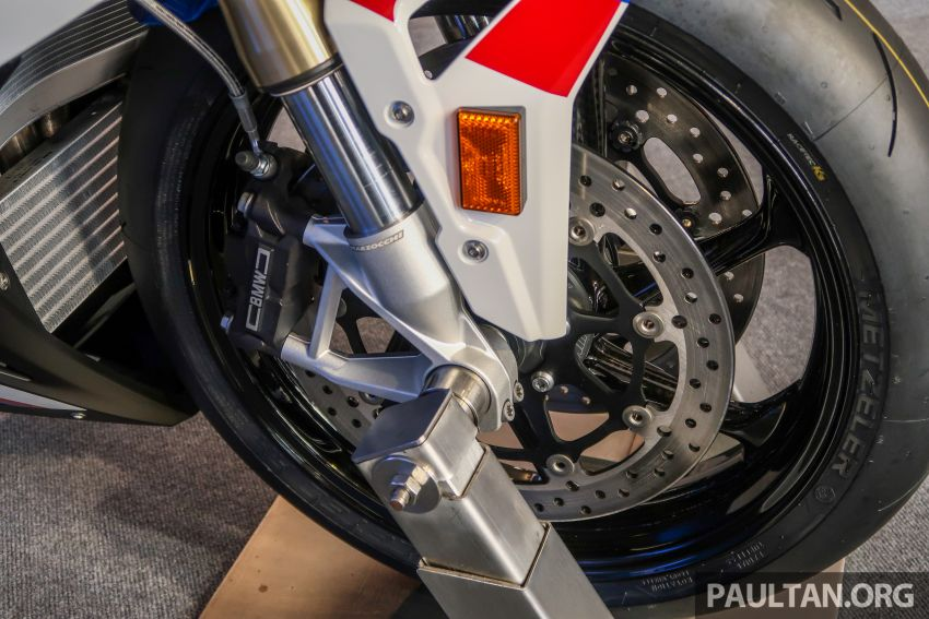 2020 BMW Motorrad S 1000 RR with M Sport Package now in Malaysia – RM138,500, carbon-fibre wheels Image #1039374