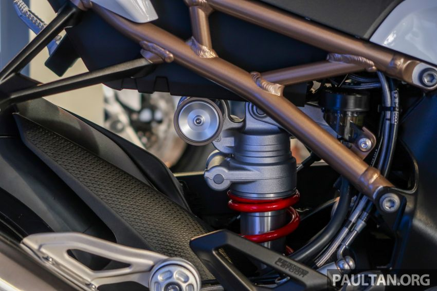 2020 BMW Motorrad S 1000 RR with M Sport Package now in Malaysia – RM138,500, carbon-fibre wheels Image #1039378