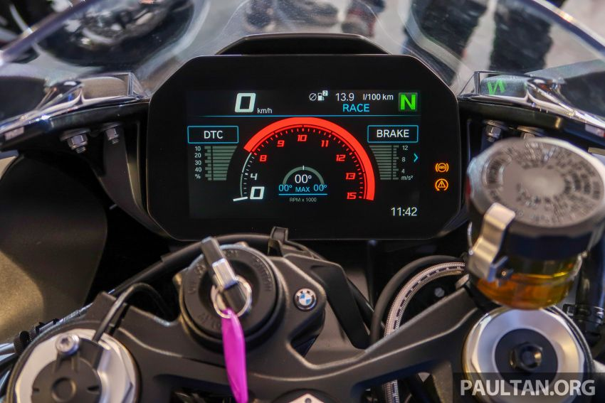 2020 BMW Motorrad S 1000 RR with M Sport Package now in Malaysia – RM138,500, carbon-fibre wheels Image #1039391
