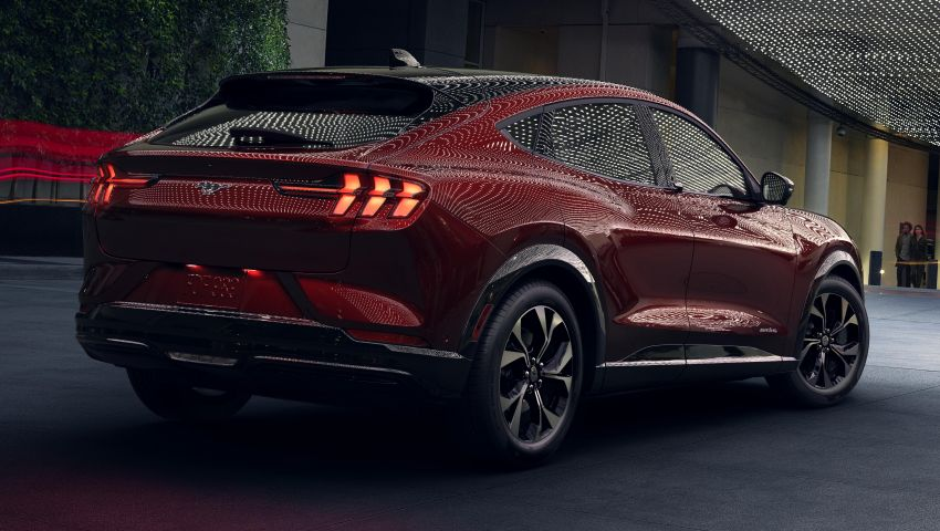 Ford Mustang Mach-E revealed – electric SUV with up to 439 hp, 839 Nm, 0-100 km/h 3.5 secs, 600 km range Image #1046820