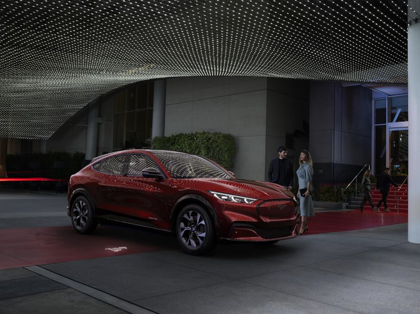Ford Mustang Mach-E revealed – electric SUV with up to 439 hp, 839 Nm, 0-100 km/h 3.5 secs, 600 km range Image #1046821