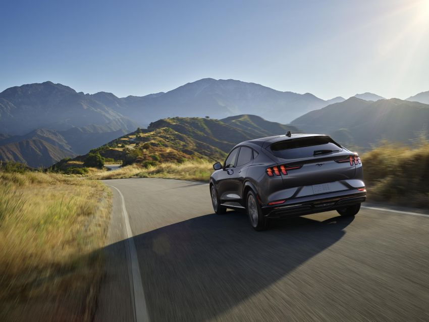 Ford Mustang Mach-E revealed – electric SUV with up to 439 hp, 839 Nm, 0-100 km/h 3.5 secs, 600 km range Image #1046822