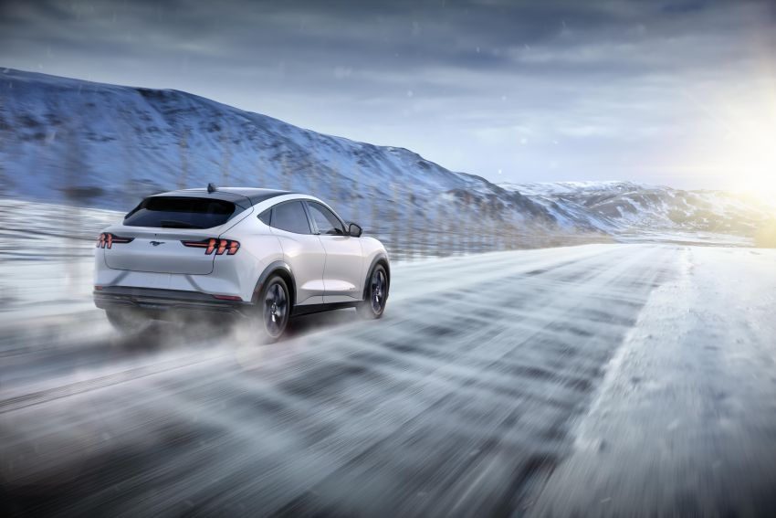 Ford Mustang Mach-E revealed – electric SUV with up to 439 hp, 839 Nm, 0-100 km/h 3.5 secs, 600 km range Image #1046825