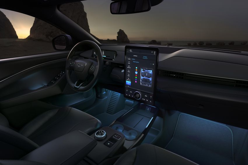 Ford Mustang Mach-E revealed – electric SUV with up to 439 hp, 839 Nm, 0-100 km/h 3.5 secs, 600 km range Image #1046826