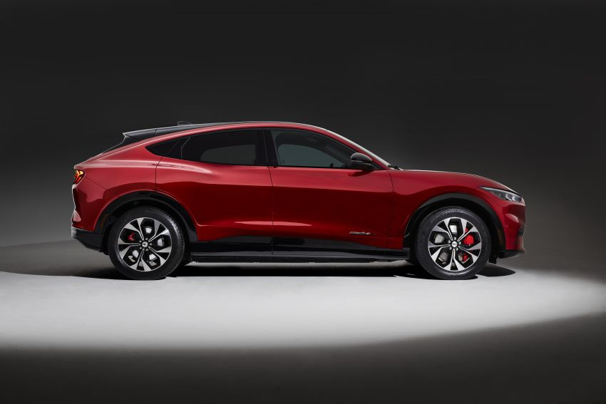 Ford Mustang Mach-E revealed – electric SUV with up to 439 hp, 839 Nm, 0-100 km/h 3.5 secs, 600 km range Image #1046847