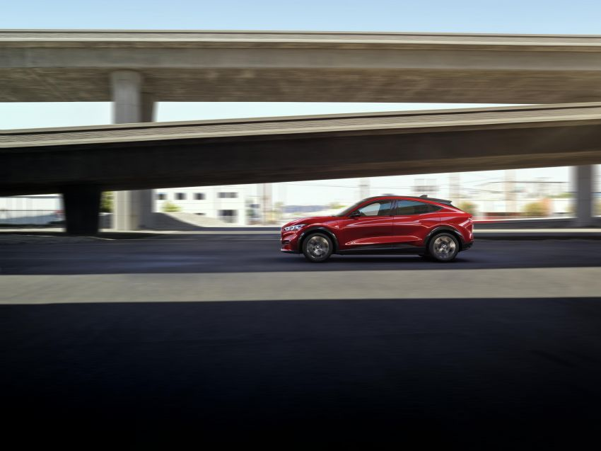 Ford Mustang Mach-E revealed – electric SUV with up to 439 hp, 839 Nm, 0-100 km/h 3.5 secs, 600 km range Image #1046810