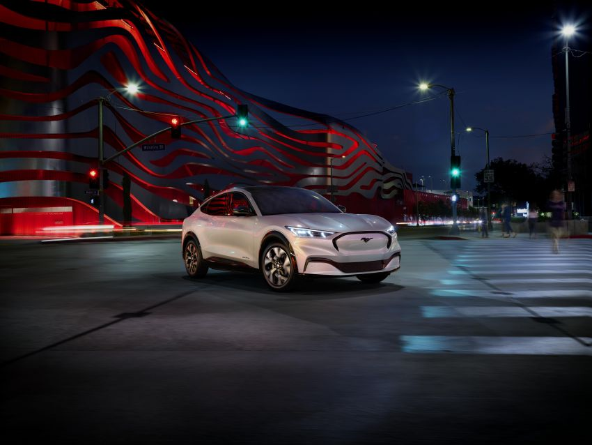 Ford Mustang Mach-E revealed – electric SUV with up to 439 hp, 839 Nm, 0-100 km/h 3.5 secs, 600 km range Image #1046812