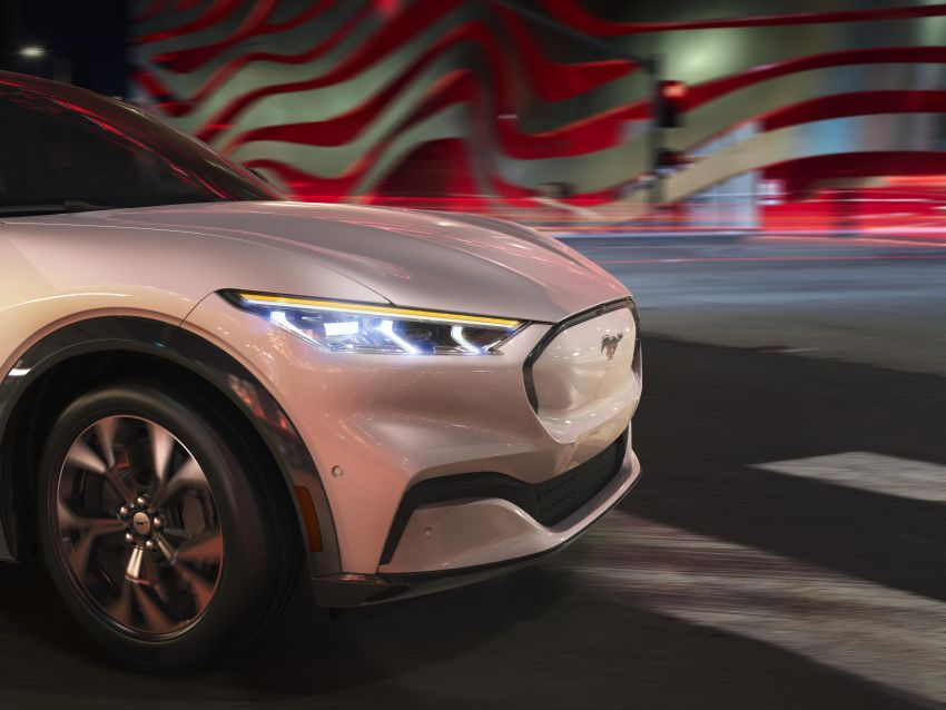 Ford Mustang Mach-E revealed – electric SUV with up to 439 hp, 839 Nm, 0-100 km/h 3.5 secs, 600 km range Image #1046813