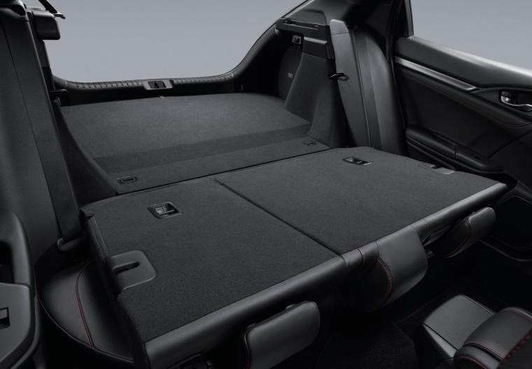 Honda Civic hatchback facelift – sole 1.5 RS variant, Honda Sensing safety suite, RM168k in Thailand Image #1045304