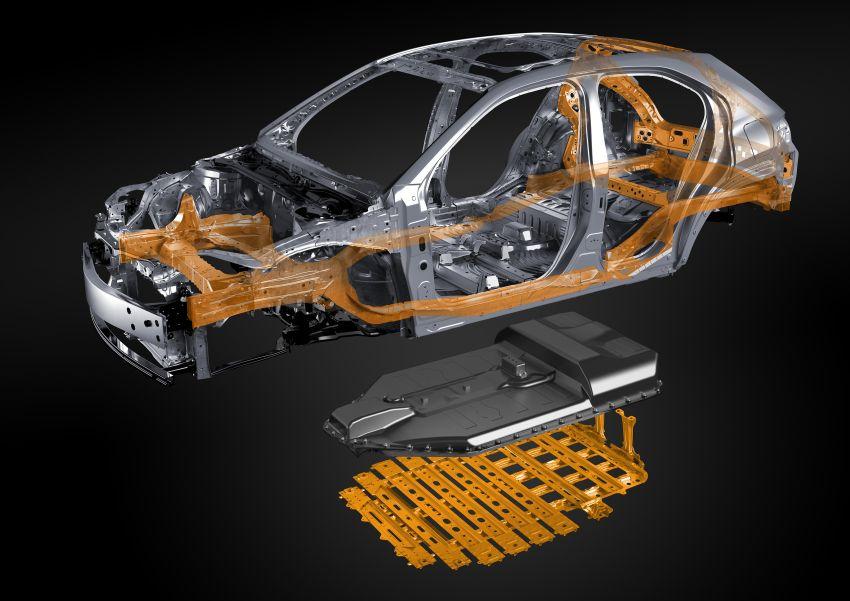 Lexus UX 300e pure EV – 400 km range, 204 PS/300 Nm, 'paddle-shift' braking regen, Active Sound Control Image #1049829